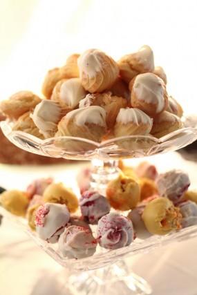 creative-diy-outdoor-wedding-desserts