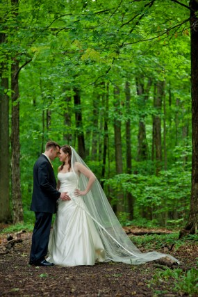 bride-and-groom-in-woods