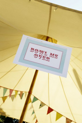 carnival-birthday-party-signs