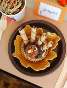 kids-thanksgiving-cupcake