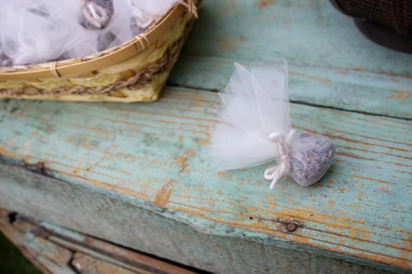 lavender-wedding-getaway-toss