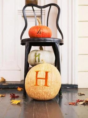 monogramed-pumpkin
