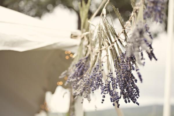 outdoor-diy-wedding-hanging-lavendar-decor