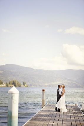 outdoor-diy-wedding-on-a-lake-dock