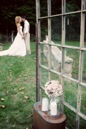 window-pane-wedding-decor