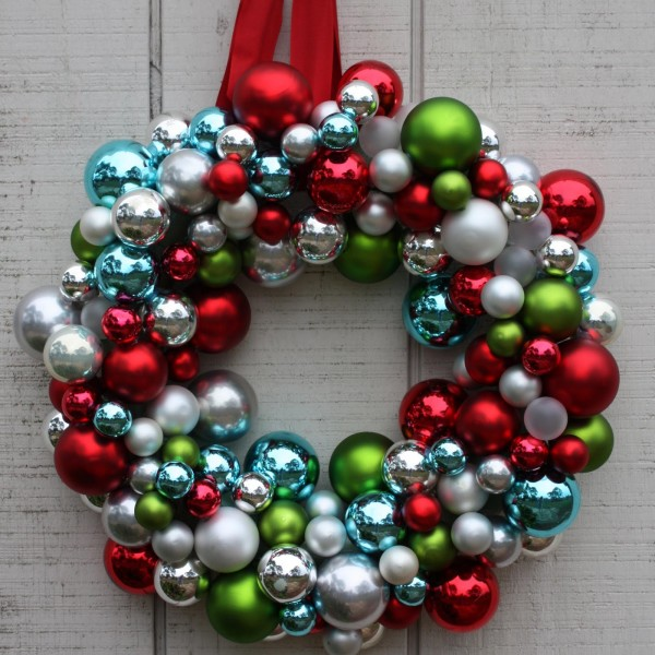 christmas-ornament-wreath