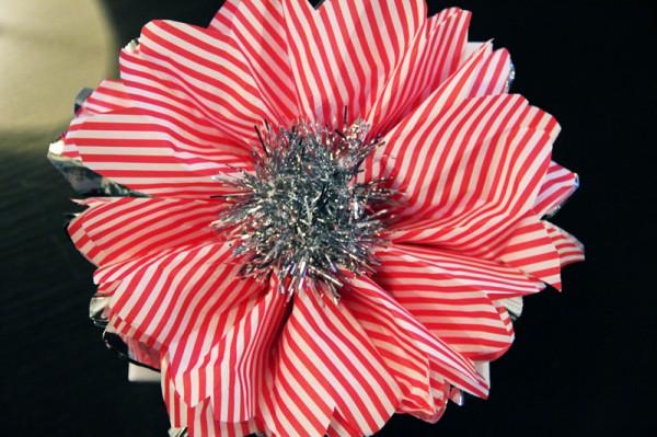 diy-christmas-tissue-paper-flowers