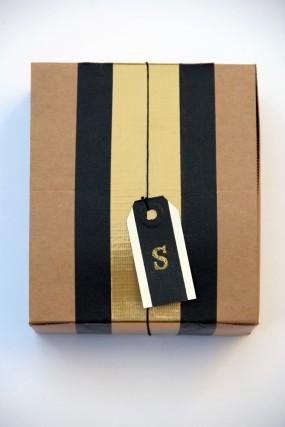 diy-masking-tape-duct-tape-gift-wrap