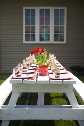 strawberry-birthday-party-tablescape