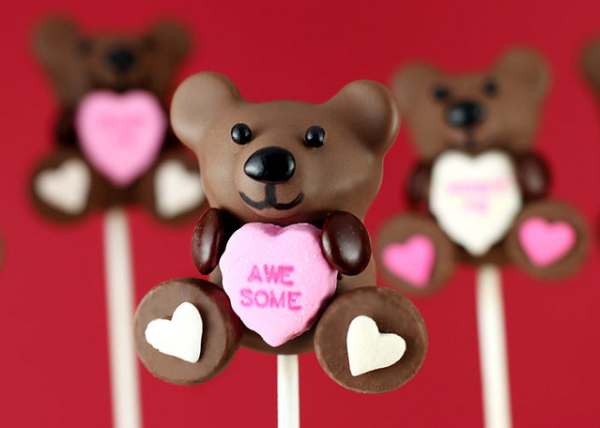candy-heart-cake-pops