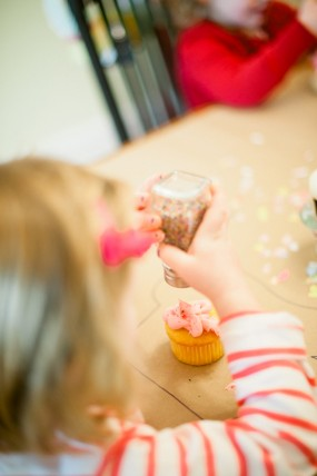 cupcake-decorating