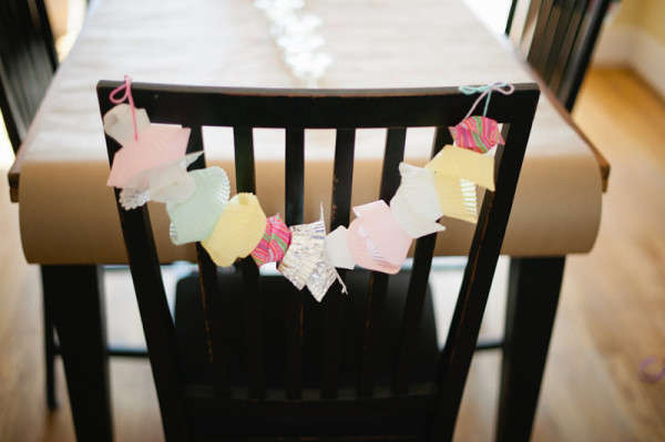 cupcake-liner-chair-garland