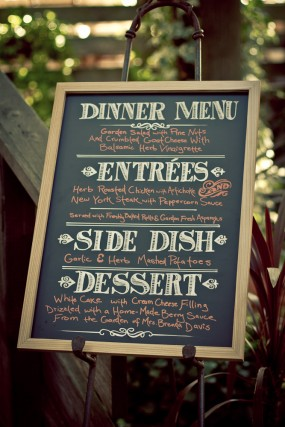 diy-chalkboard-wedding-menu