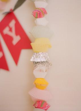 diy-cupcake-liner-garland