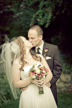 rustic-bride-and-groom