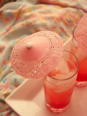 diy-doily-drink-parasol