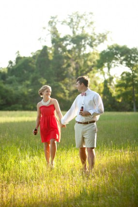 red-and-white-engagement-session-inspiration