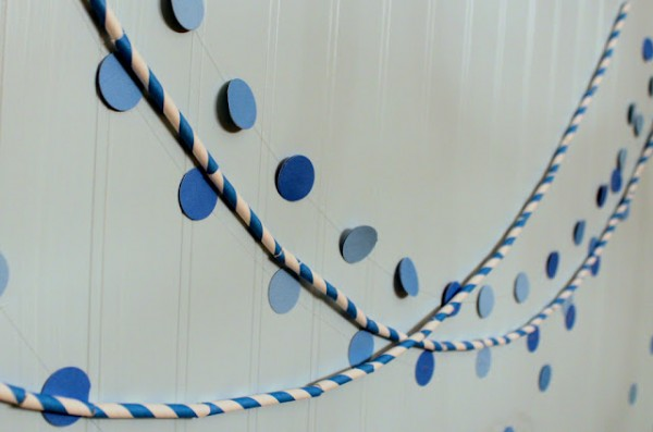 stripey-paper-straw-garland