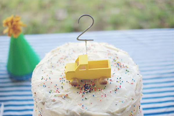 truck-cake-topper