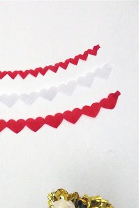 valentines-day-streamer-crafts