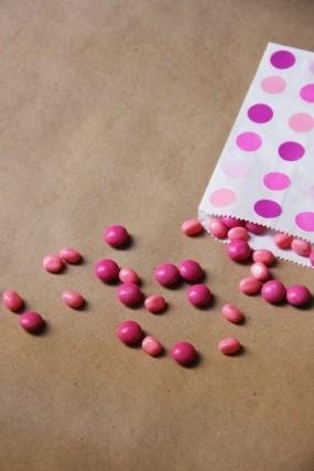 diy-pink-treat-favor-bags