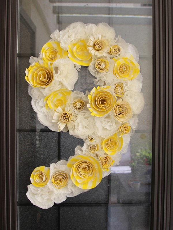 paper-flower-wreath