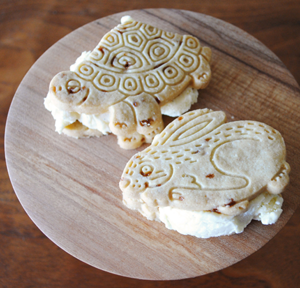 animal-cracker-ice-cream-sandwiches