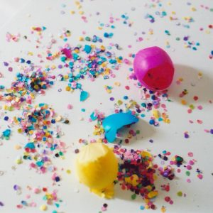 confetti-easter-eggs-cascarones