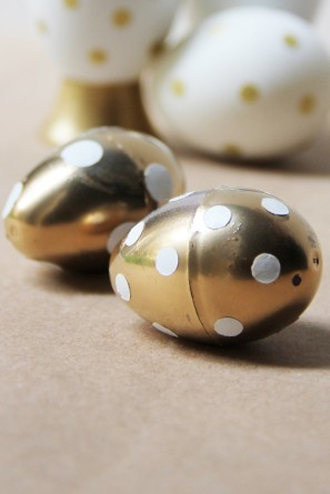 diy-gold-polka-dot-easter-eggs