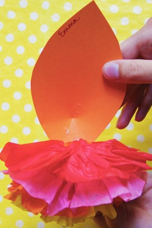 diy-paper-flower-placecards