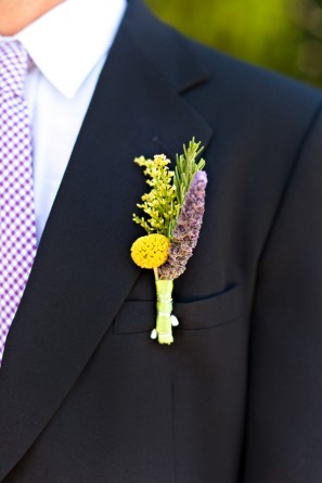 offbeat-diy-spring-inspired-california-wedding-boutonnieres