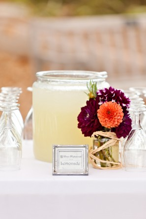 offbeat-diy-spring-inspired-california-wedding-cocktail-hour
