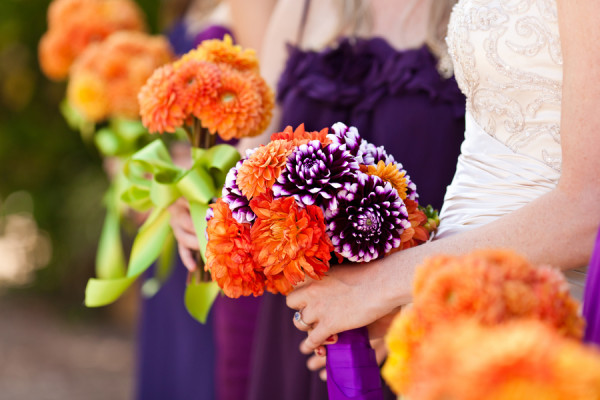 offbeat-diy-spring-inspired-california-wedding-purple-orange-dahlias