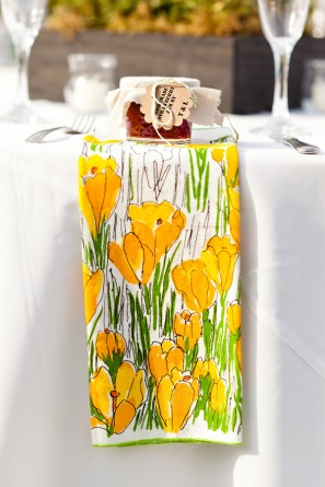 offbeat-diy-spring-inspired-california-wedding-reception-vera-napkins