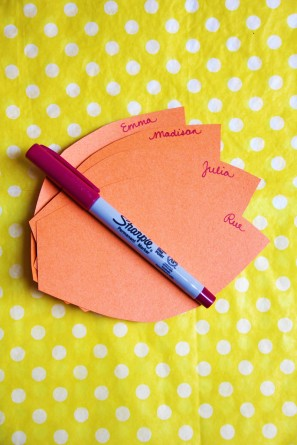 paper-flower-diy-place-cards