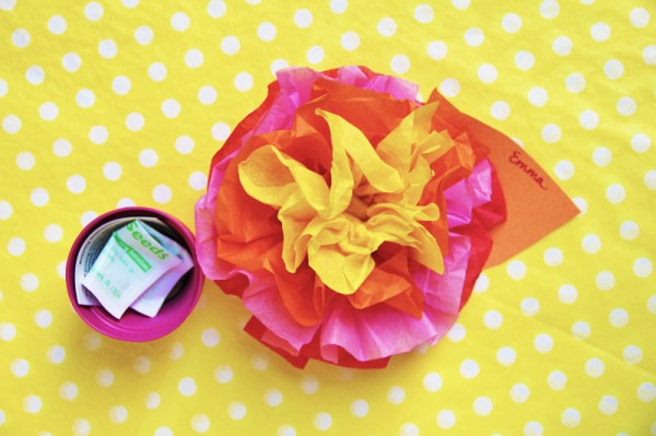paper-flower-place-cards