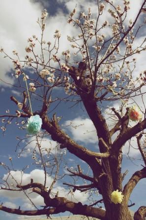 diy-garden-party-tree-poms