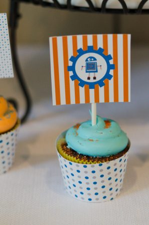 diy-robot-party-cupcake-toppers