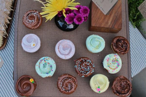 diy farewell party cupcakes