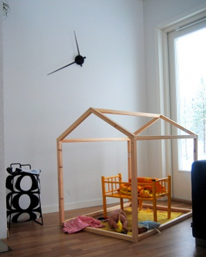 DIY Wood Playhouse Fort