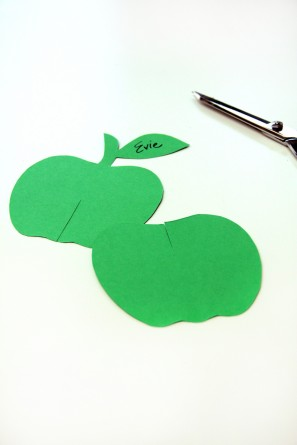Apple Shaped DIY Place Cards