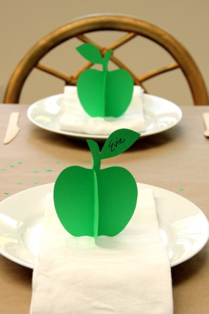 Printable DIY 3D Apple Place Cards for Fall