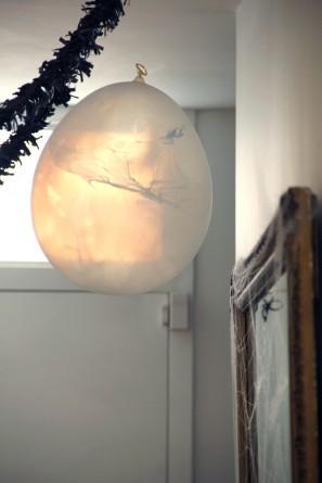 DIY Spider Web Balloons