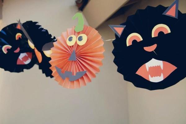 Paper Pinwheel Halloween Garland