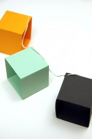 3D Box Garland