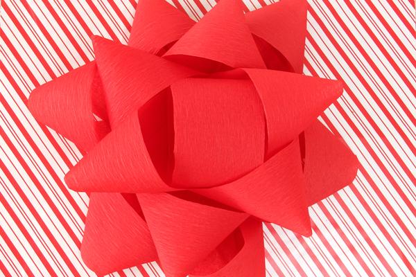 DIY Giant Christmas Bow and Cardboard Box Advent Calendar