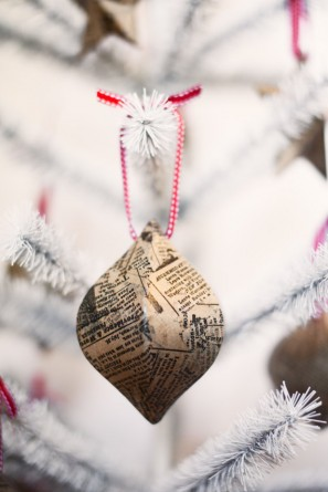 Newspaper Christmas Ornaments Tuck and Bonte
