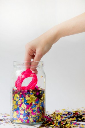 DIY Surprise Confetti Jars (5)