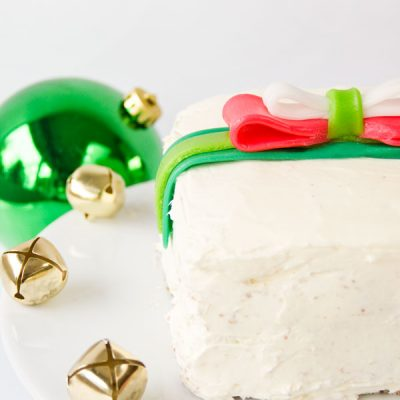 Holiday Gift Cakes with Airhead Bows