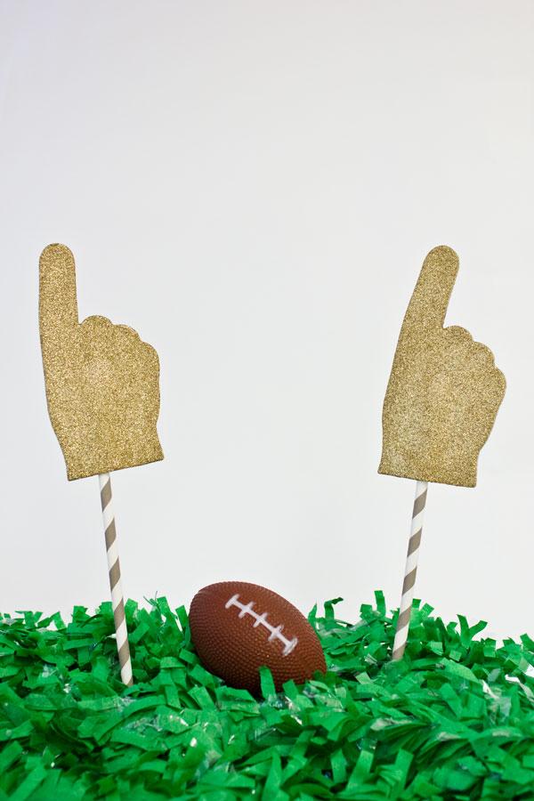 DIY Glitter Foam Fingers for the Super Bowl